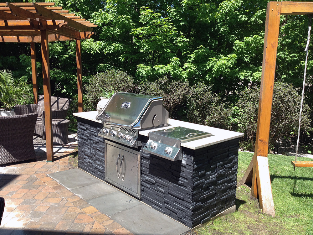 Ottawa outdoor kitchens custom backyards by synergy3 for Backyard barbecues outdoor kitchen