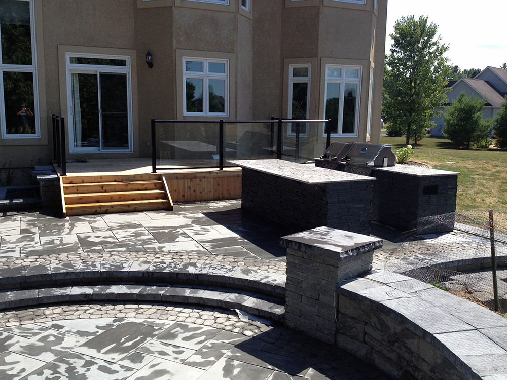 Synergy3 Construction Ottawa Custom Backyard, Stonework, Outdoor Kitchen, BBQ Enclosure