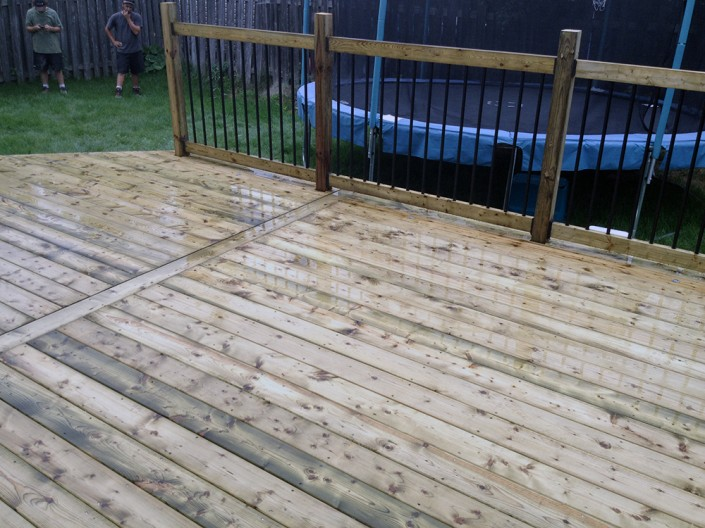 Synergy3 Construction Ottawa Custom Wood Deck Railings Backyard