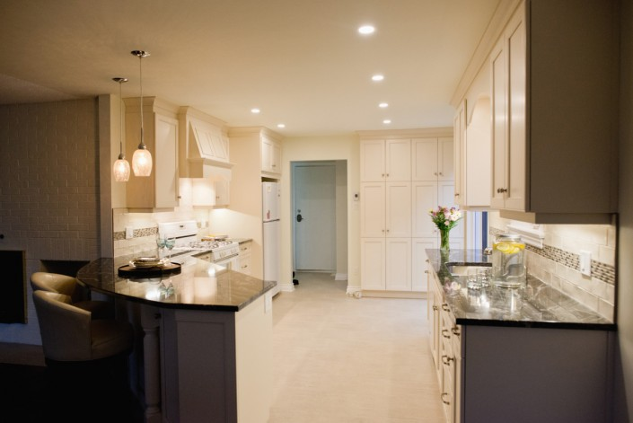 Synergy3 Construction Ottawa Kitchen Renovation, Clean White Kitchen, Cabinets and Flooring